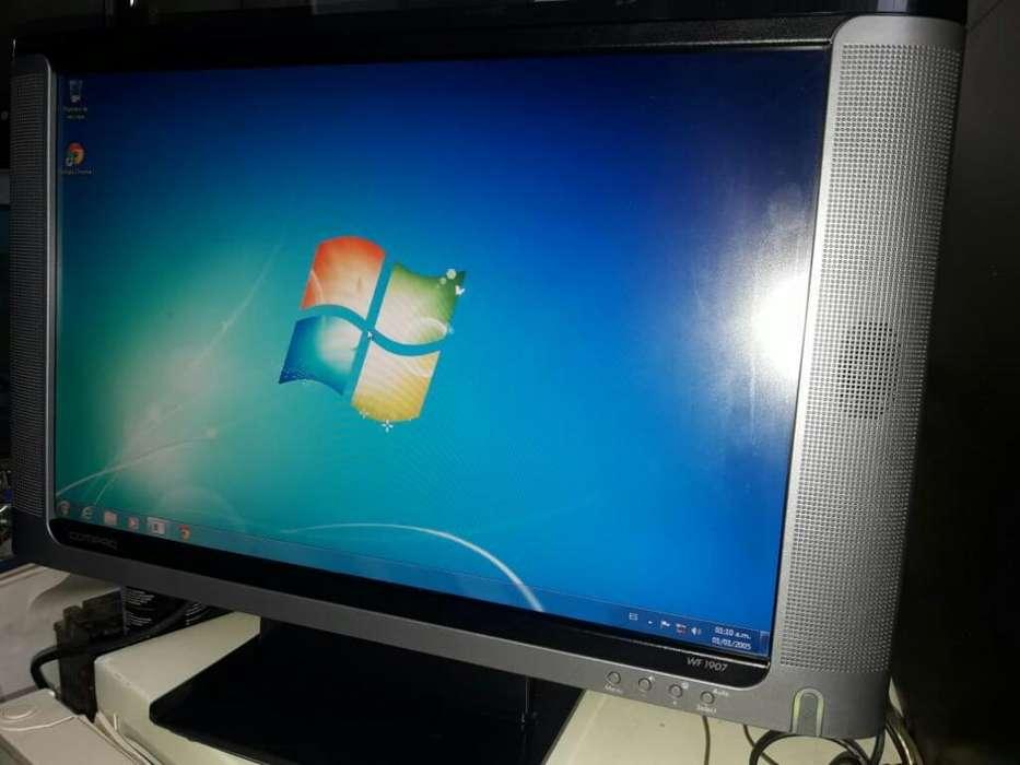 Monitor Lcd Compaq de 19 con Parlantes