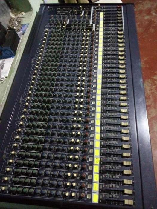 Venta de Mezcladora YAMAHA de 32 canales