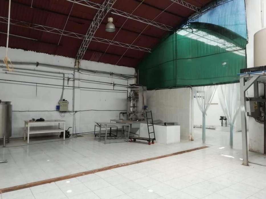 Se alquila Local Industrial implementado para la Industria Alimentaria.