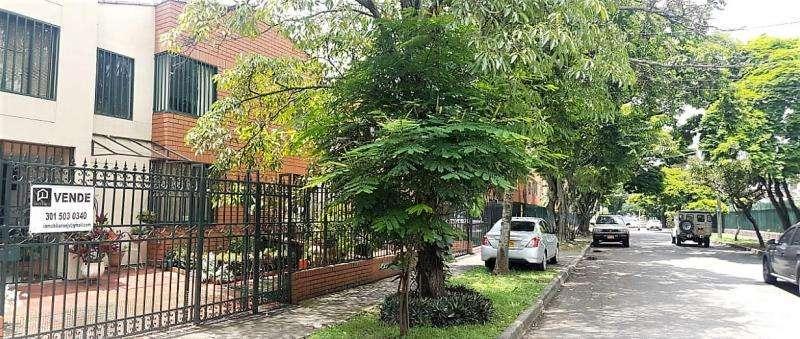 Cod. VBKWC-10401779 Casa En Venta En Cali Urbanización La Flora