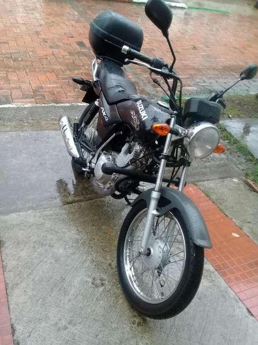 Vendo Moto Suzuki Ax4