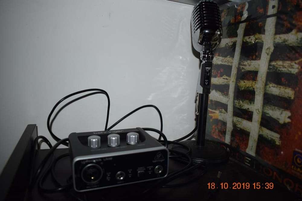 Interfaz de audio ,base de escritorio & microfono tipo taskter