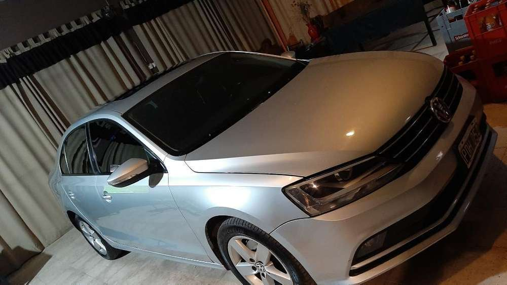 Volkswagen Vento 2015 - 110000 km