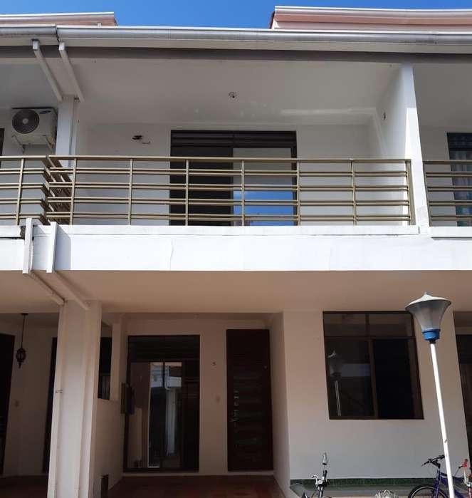 Vendo Casa en Alameda Del Bosque Villavicencio