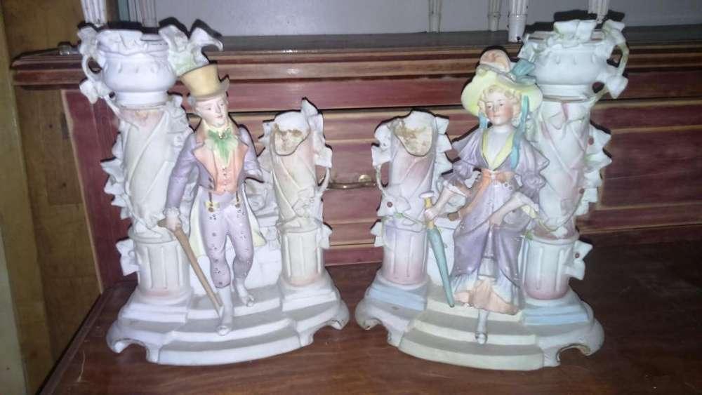 Antiguas Estatuillas de Caballero Y Dama