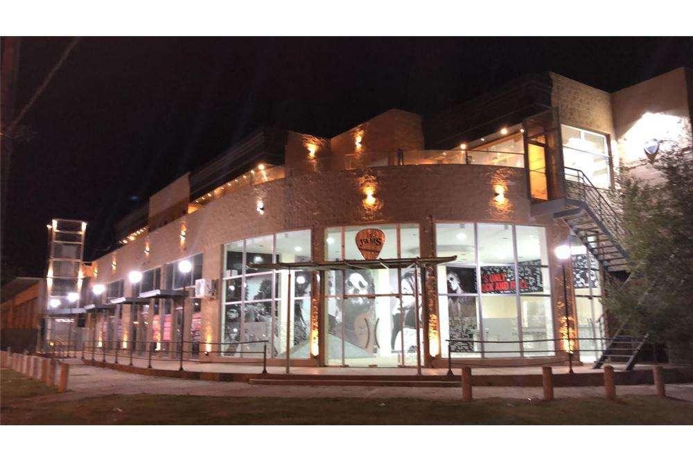 Locales en alquiler comercial en Cañuelas