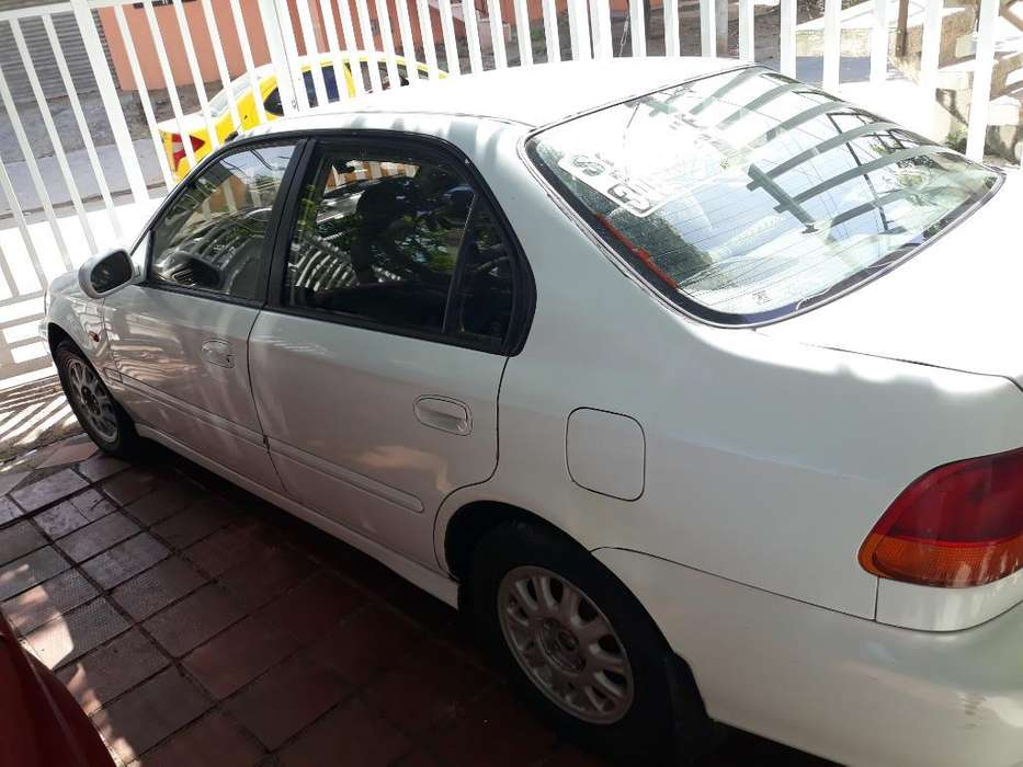 Honda Civic 1999 - 12345 km