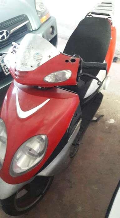 VENDO <strong>motoneta</strong> 2009 PAPELES AL DIA