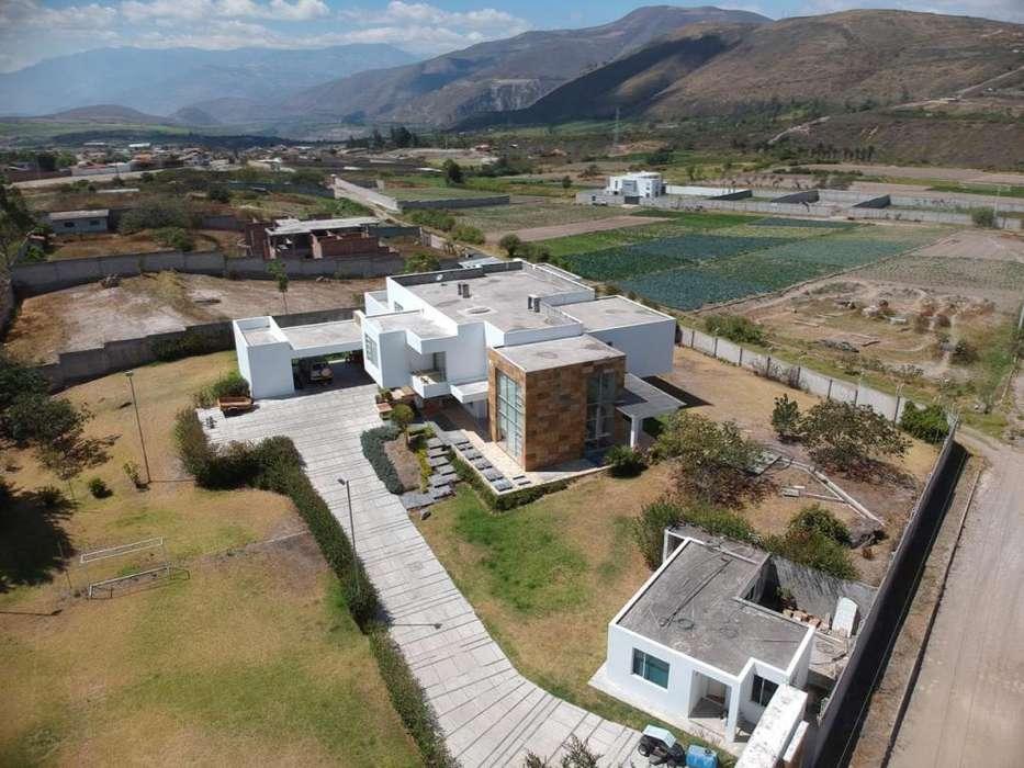 Casa en Venta en la Parroquia Imbaya cerca de Ibarra en la vía a Urcuqui.