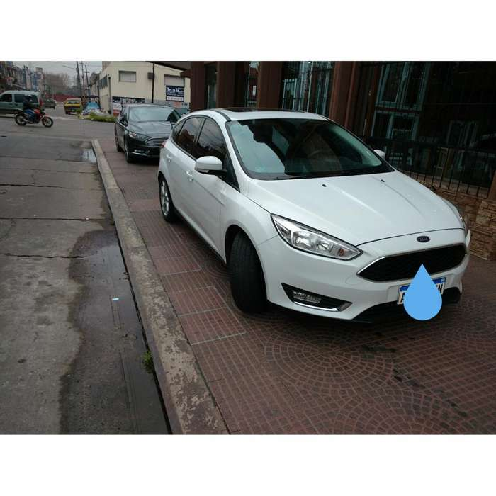 Ford Focus 2017 - 19900 km