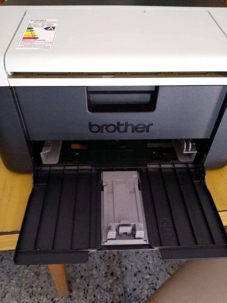 vendo Impresora Laser Monocromática 1202 Brother