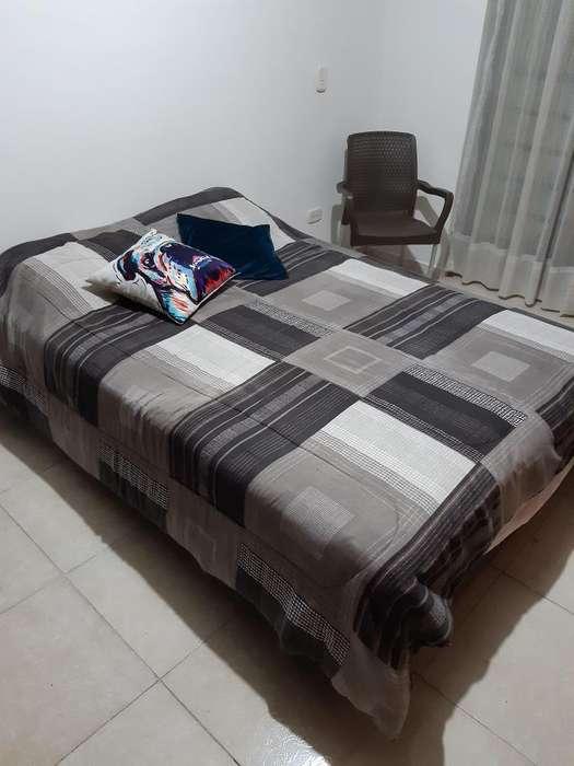 Base cama y colchón doble usada - en buen estado