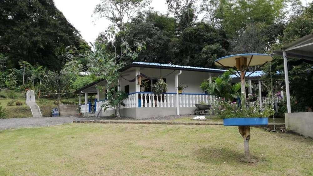 Se vende casa campestre en Villeta Cund. PERMUTA. Jhonny Torres. Cel. 3112175503 - 3103427070