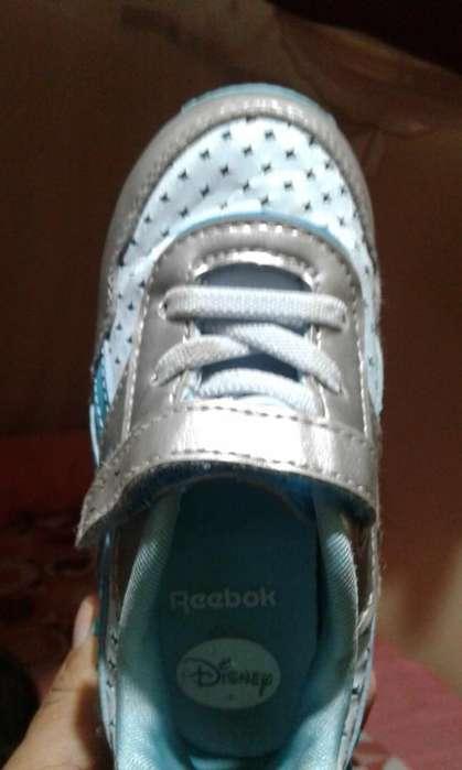 Zapatos de Niña Y de Niño