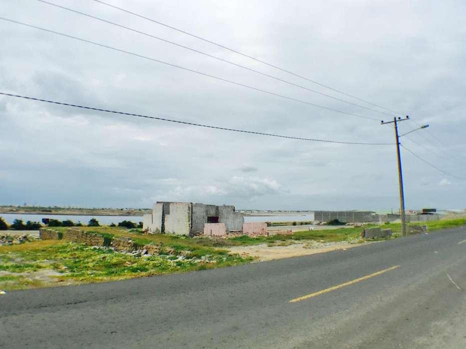 Venta de Terreno en via Mar Bravo en Salinas, Santa Elena