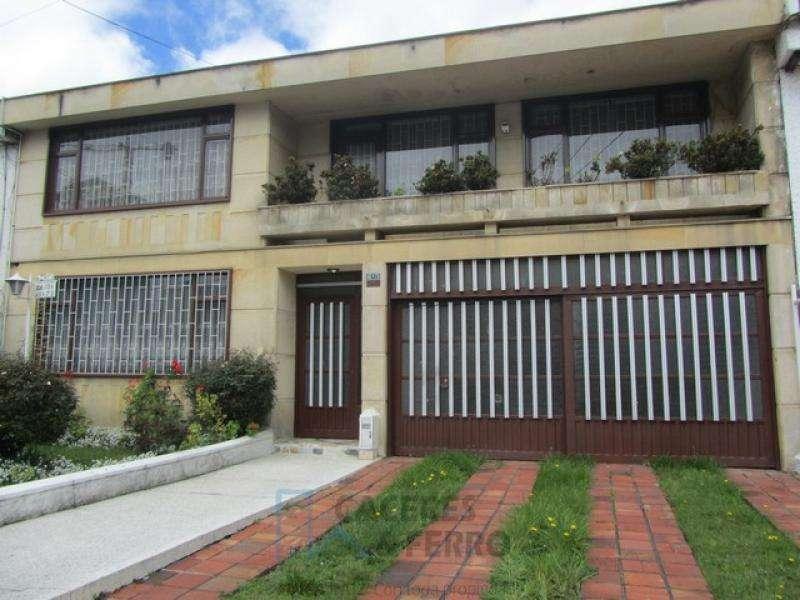 Cod. ABCYF20626 Casa En Arriendo En Bogota Pasadena