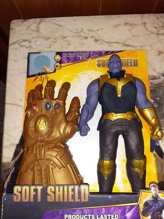 Vendo Muñeco Thanos con Guante Nuevo