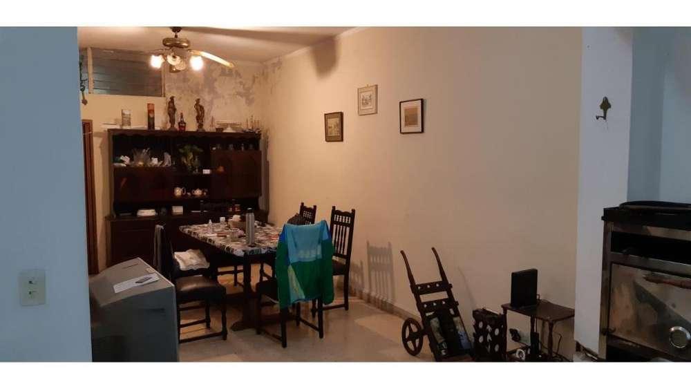 En Venta!! Casa Céntrica Calle Bavio 100 - UD 100.000 - Casa en Venta