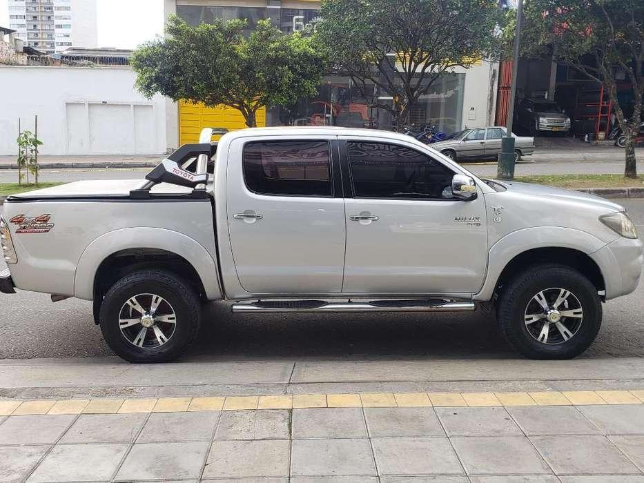 Toyota Hilux 2006 - 165000 km