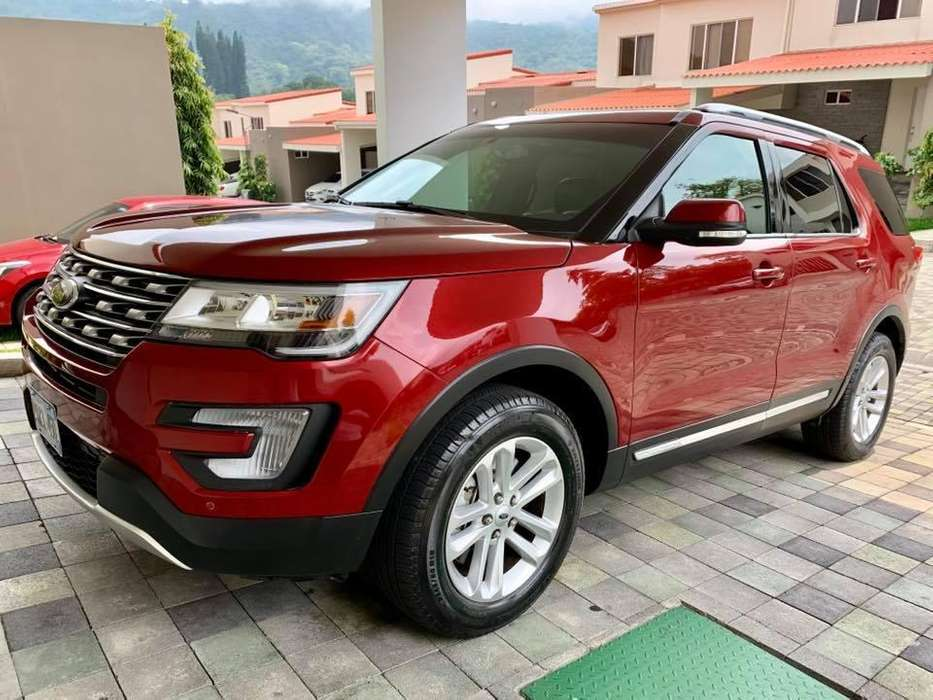 Ford Explorer 2017 - 8000 km