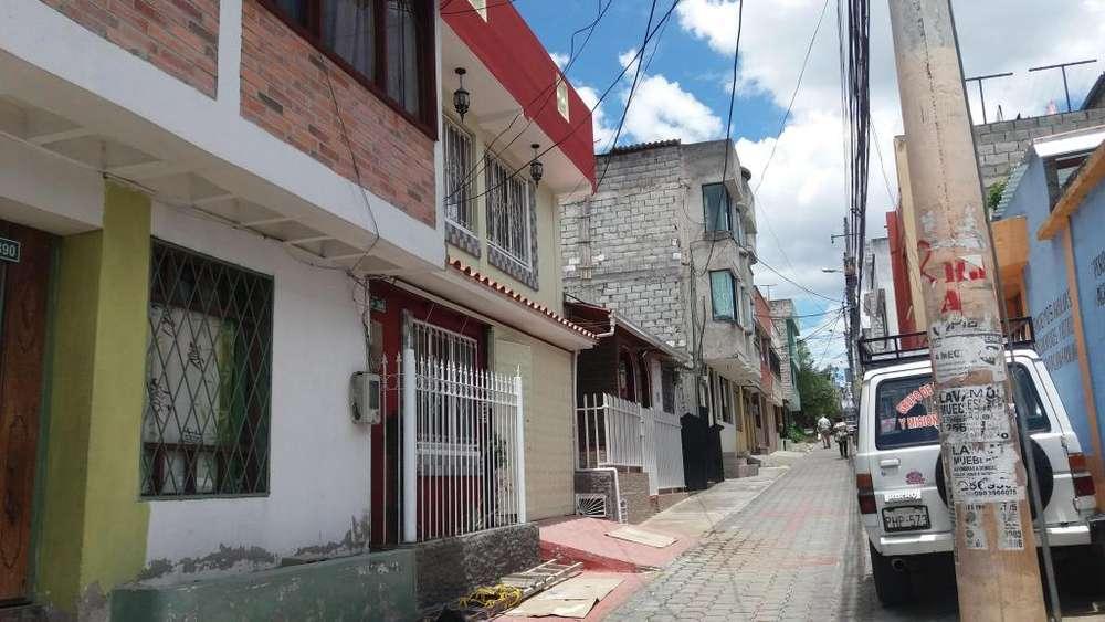 Venta casa Independiente Carapungo frente al Municipio Zona Calderón, Gran Aki