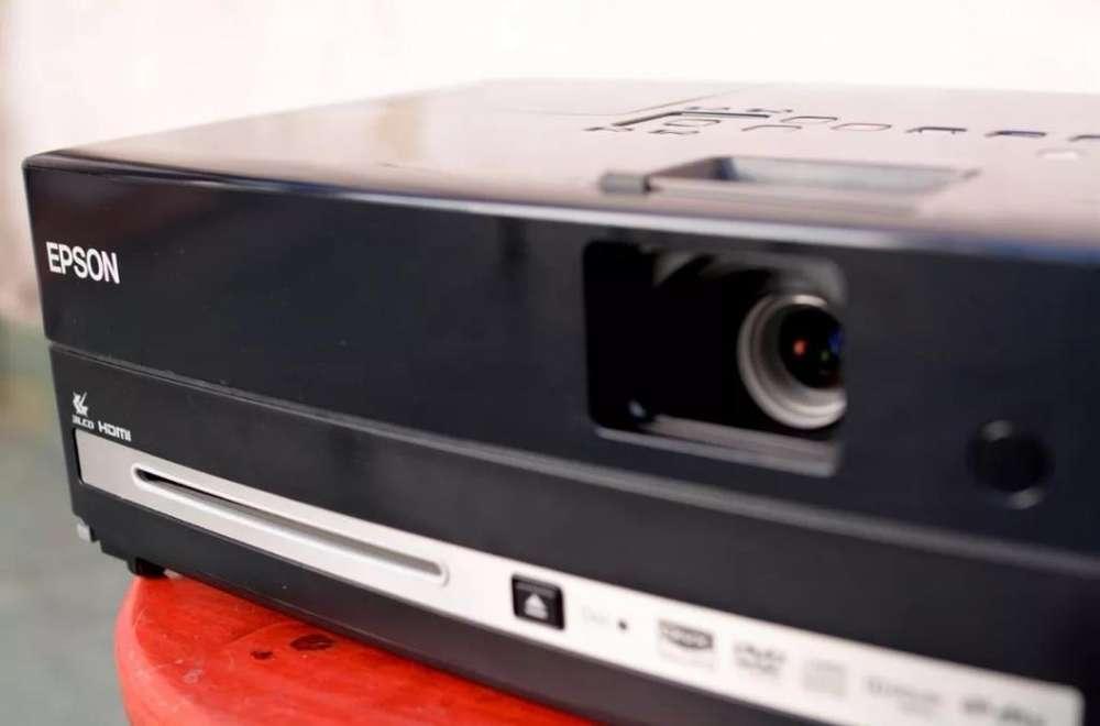 Proyector Epson Presenter L Pantalla 150