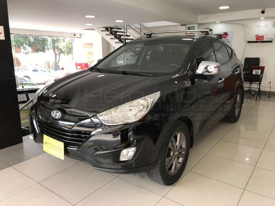 Hyundai Tucson ix-35 2012 - 89700 km