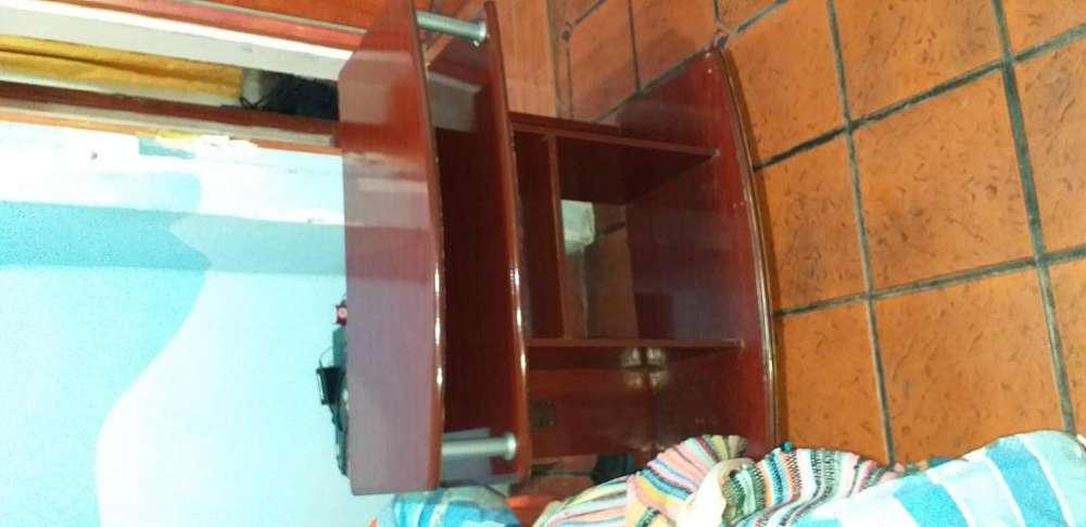 Mesa <strong>escritorio</strong> Multiuso para Pc, tv y/o audio en melamina