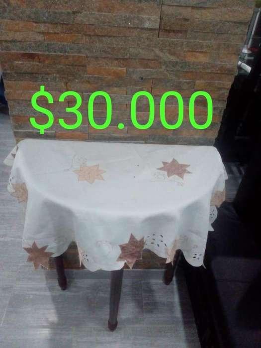 Mesa media luna y mesa silla de planchar