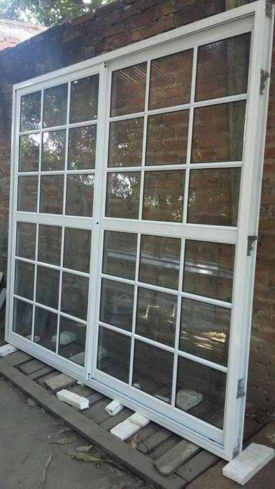 puerta balcon de <strong>aluminio</strong> corrediza150x200 vidrio repartido