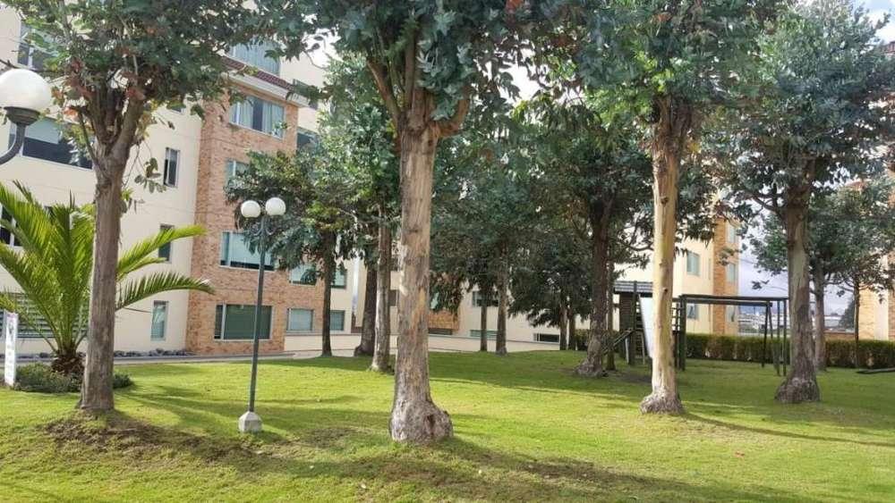 Venta de Departamento Monteserrin, Sector Campo Alegre, 3 dor, linda vista. Conjunto piscina, parque, guardiania