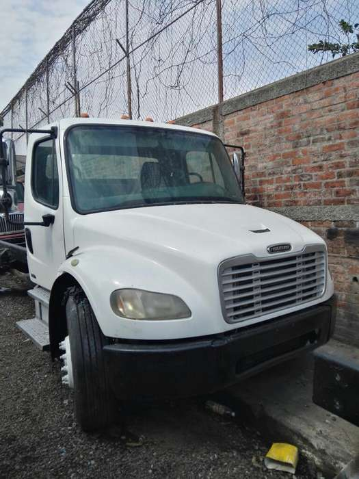 Freightliner M2 2006, Automatico.