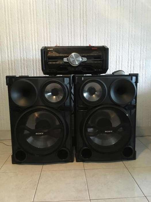 Vendo equipo de sonido SONY FST-SH2000