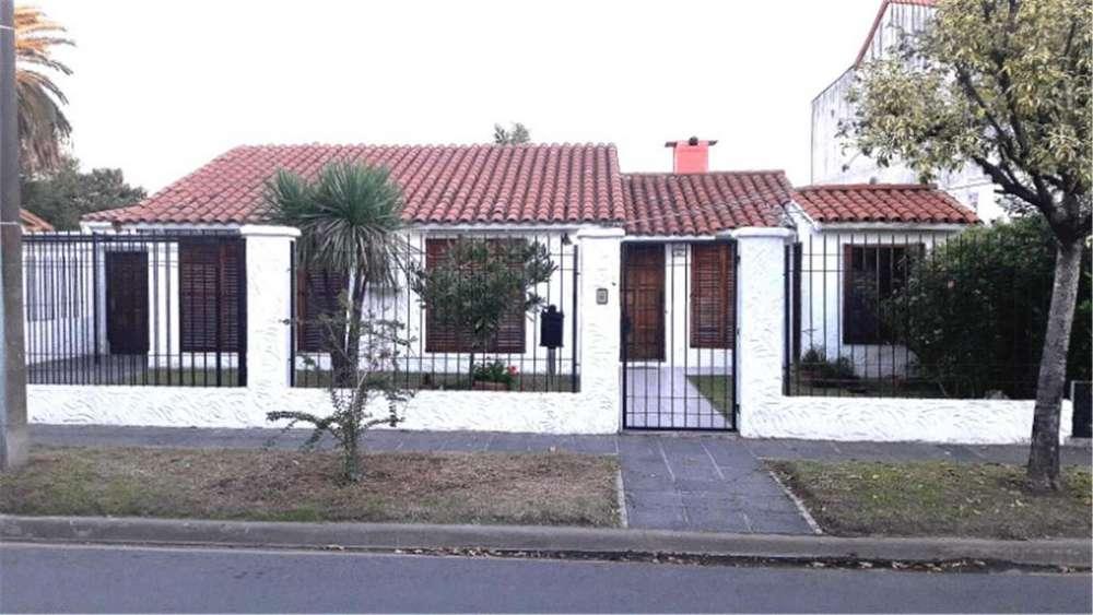 Corrientes 100 - UD 220.000 - Casa en Venta