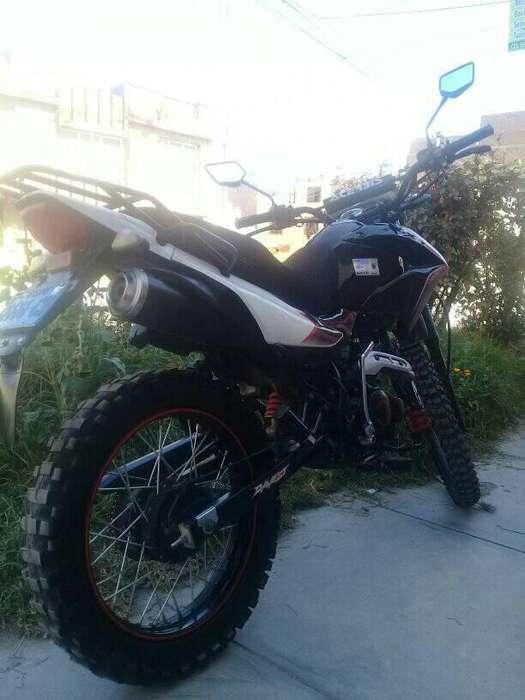 Vendo Moto Lineal Seminueva