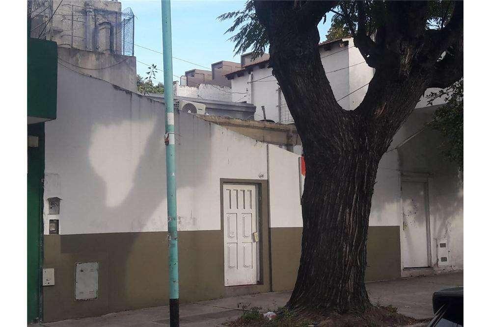 Venta de ph con patio en Villa Urquiza