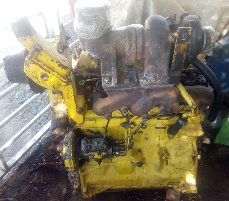 Vendo Motor JD 4045 T CEL: 3117736419