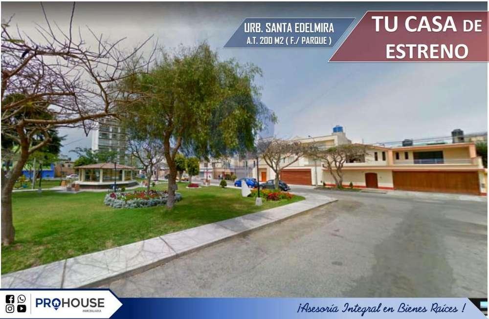 [En Venta]: Casa Esquina/f. Parque en Urb. Santa Edelmira/california At. 200 m²