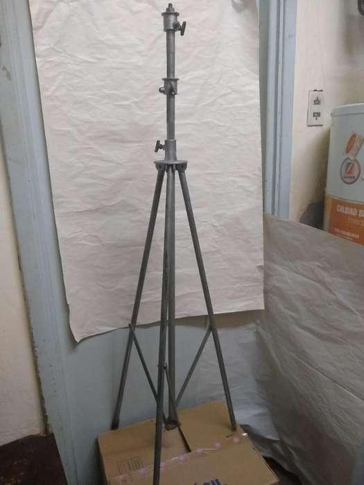 tripode reflector De Fotografía Beltrame y lampara perfecto