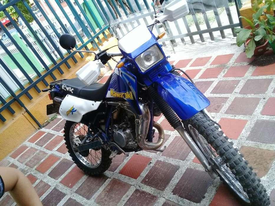 <strong>kawasaki</strong> Kmx 125 Mod 2002
