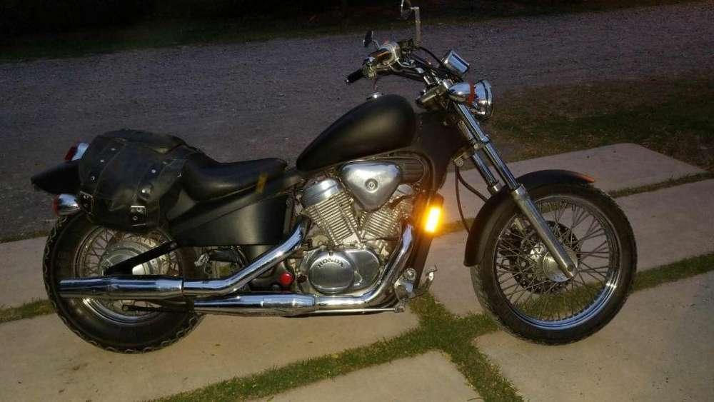Vendo <strong>honda</strong> Shadow VT600 1989 Impecable
