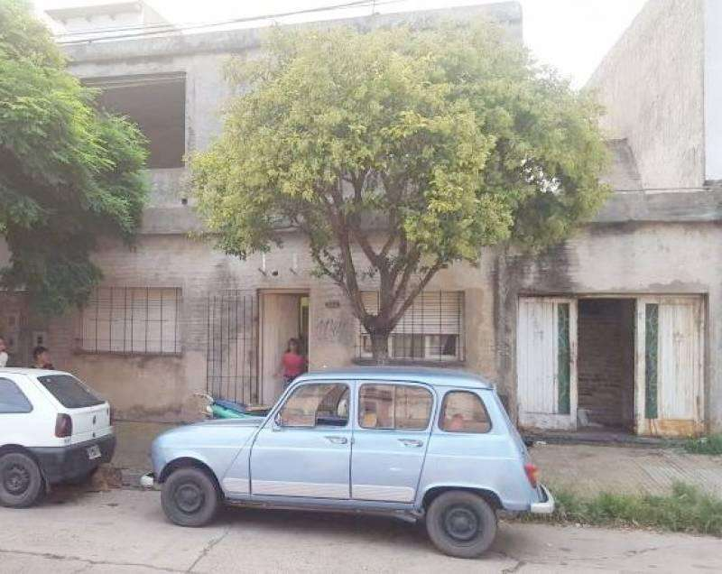 Venta casa 2 plantas en Villa Constitución.