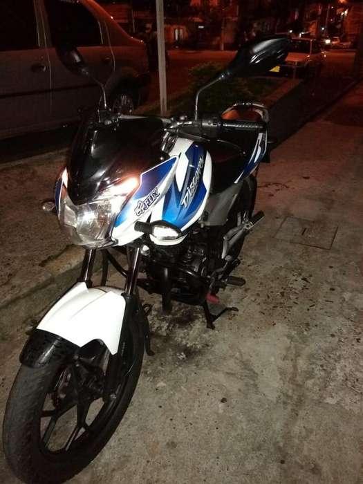 Se vende moto discover negociable