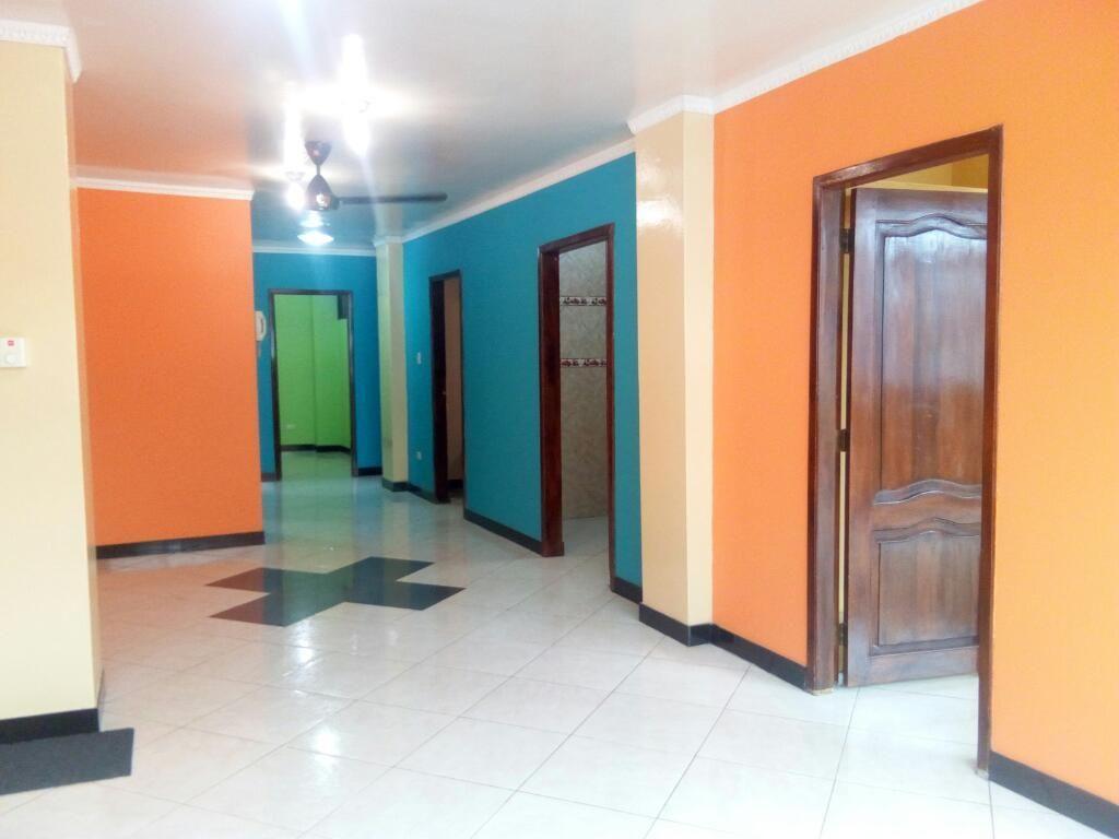# Departamento en Centro, Calle Cuenca y Garcia Moreno, centro sur, 0982712236