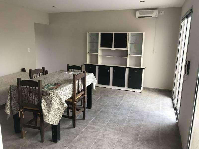 Departamento de un dormitorio en alquiler con dos patios