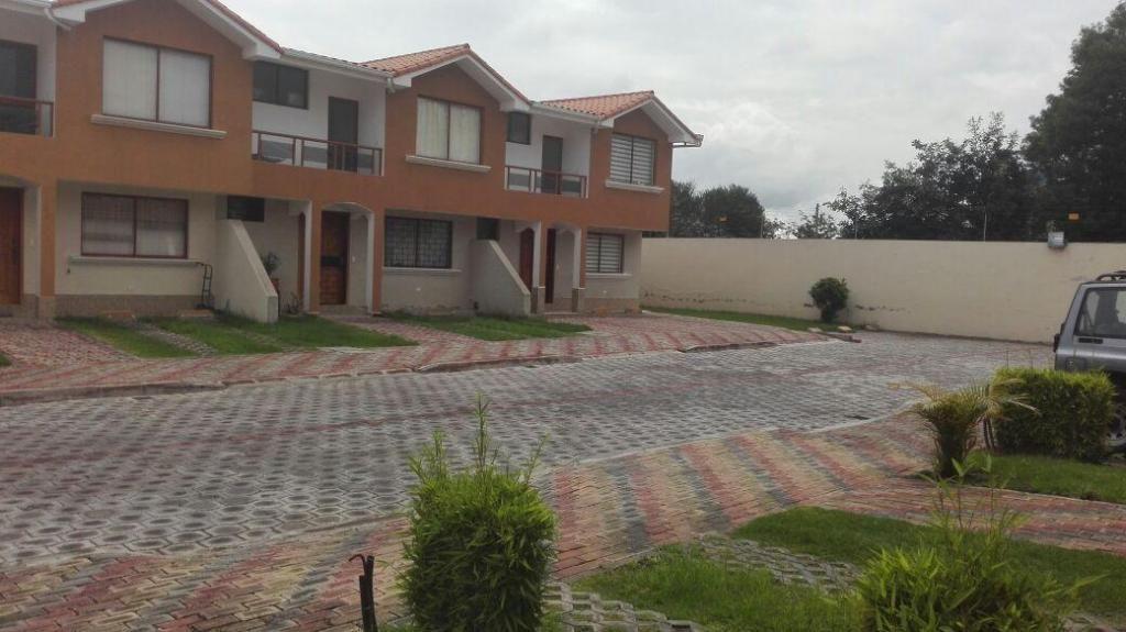 Tumbaco La Viña, Rento Casa Acogedora 3 Dorm. en Conjunto.