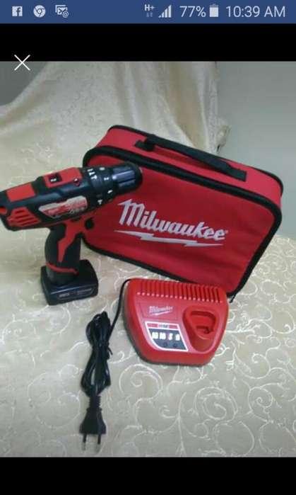 Milwaukee Taladro Percutor M12