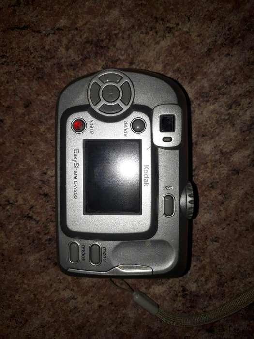 Camara Digital Kodak Cargador de Pilas