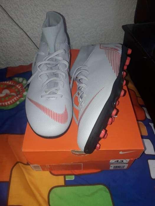 Guayos Talla 43 Nike Nuevos