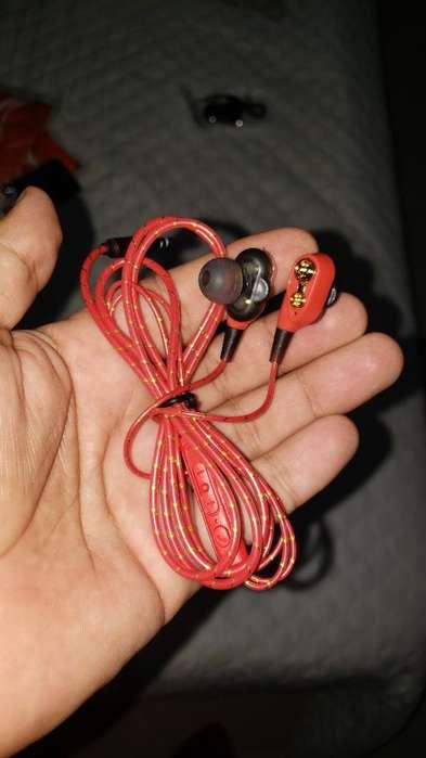 Audifonos Rojos